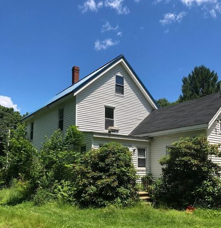 1490 State Road  Eliot, Maine 03903
