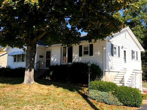 6 School Street Kittery, Maine 03904
