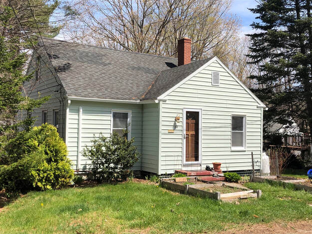19 George Street Kittery, Maine 03904